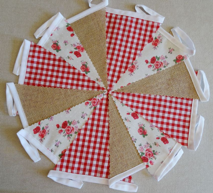 BUNTING - Hessian Burlap - Red Gingham - Pink & Red Roses - 10m/32ft